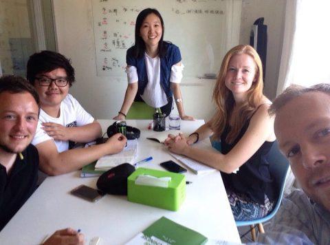 Học tiếng Trung ở Bắc Kinh - cô Lucy và học viên